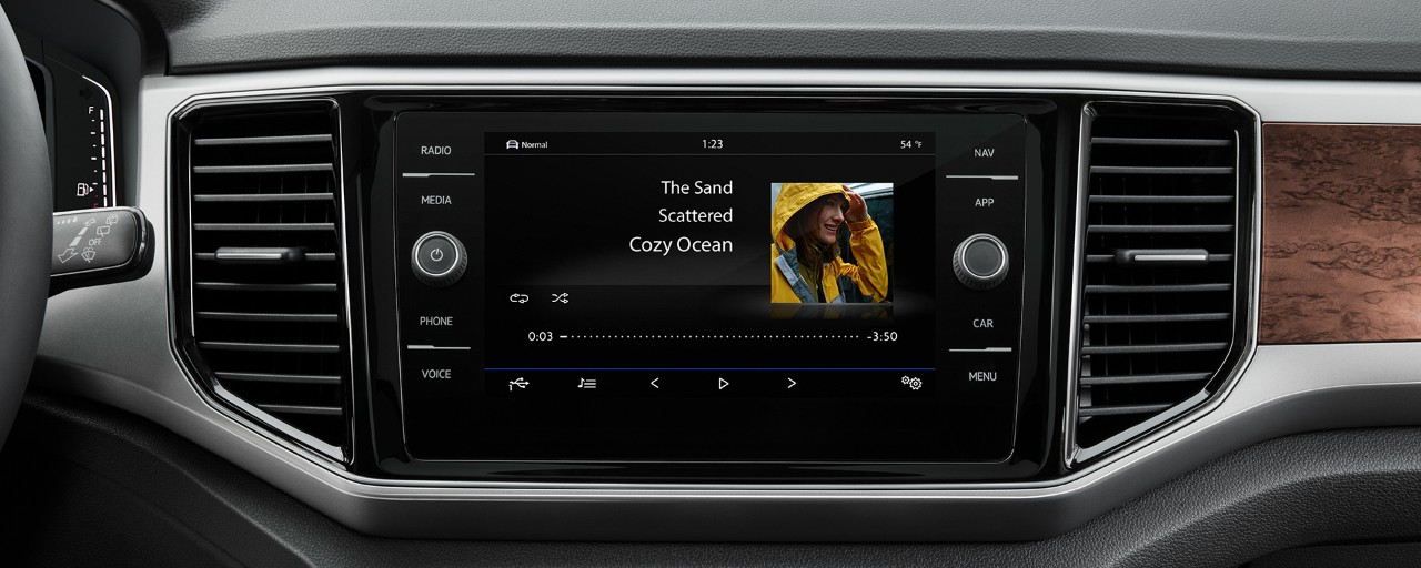 COLOR TOUCHSCREEN SOUND SYSTEM